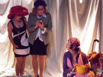 Trois dames sur une île (1).jpg